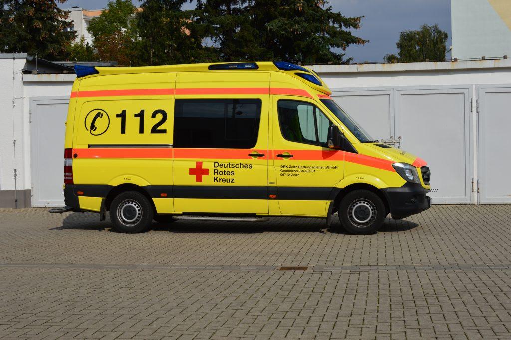 Rettungswagen DRK Zeitz